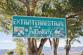 Extraterrestrial Highway Area 51 - Treasure Tours of Nevada - deutsche Touren