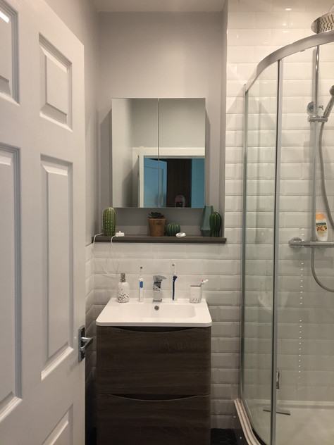 Replacement Bathroom, Dorian Drive