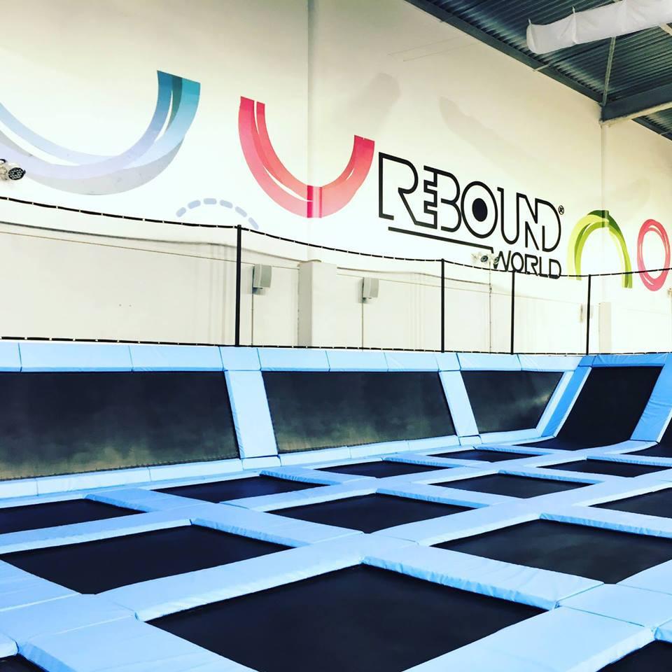 activité indoor dans un trampoline park - Rebound World