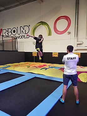 airbags géants au trampoline park - rebound world
