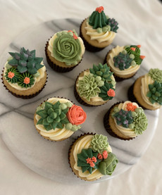 Cupcakes with Buttercream Succulents