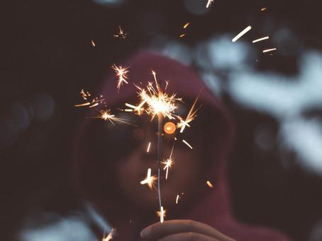 """""""Fuegos artificiales"""", a ti te enamoran y a mí me duelen los sentidos"""