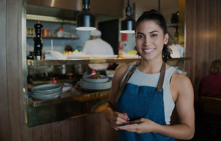 Waitress-working-at-a-restaurant-0000862