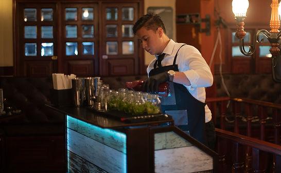 Show de coctelería y bartender en Bogotá