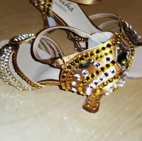 Shoe decoration