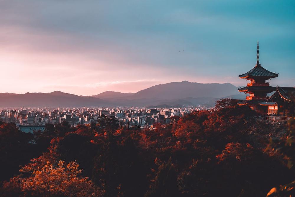 Tempat Wisata di Kyoto (Photo by Su San Lee on Unsplash) BuLiBi Bukan Liburan Biasa