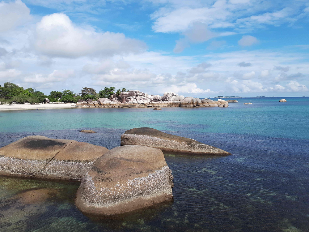 Tips liburan ke Bangka Belitung (Photo: Wikipedia - Author: Brigitta) BuLiBi Bukan Liburan Biasa