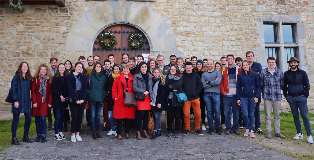 Les adhérents de Du Pays Basque aux Grandes Ecoles lors de l'assemblée générale de l'association à Ossès.