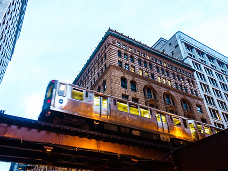 El train_shutterstock_611977415.jpg
