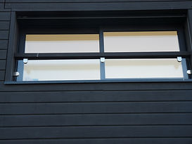 Garde-corps extérieur, remplissage par vitrage feuilleté et pinces inox