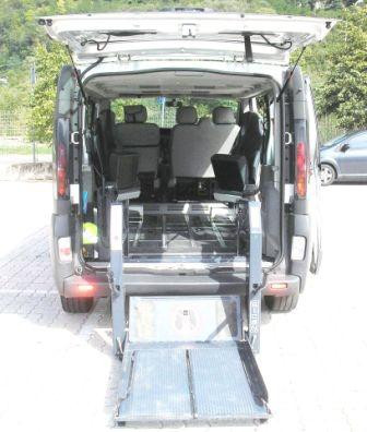 minibus hire equipped for the disabled