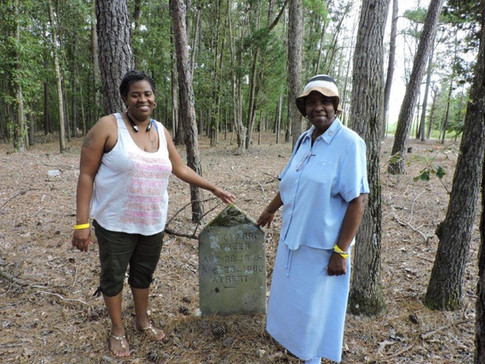 Aunt Delores (Richard Green's grand daughter) & Justine (Richard Green's great grand daughter) at the Richard Green's site