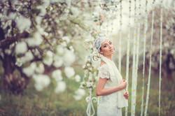 невеста в майском саду