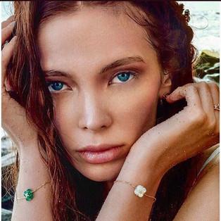 Eyes as deep as the ocean blue 🌊___juli
