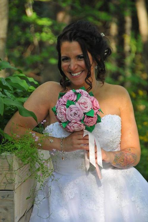 Bouquet de mariage fait de Roses Fleurigami