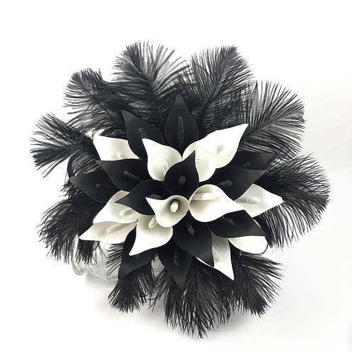 Bouquet lys de calla et plumes