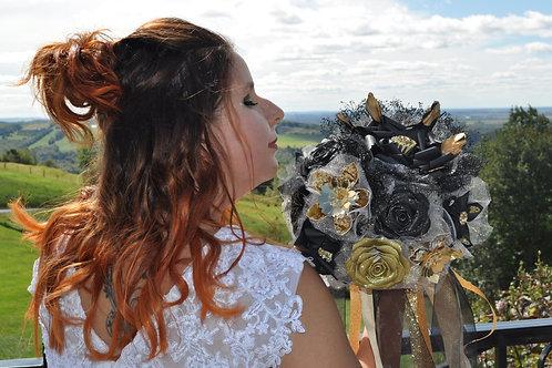 Bouquet noir et or en papier