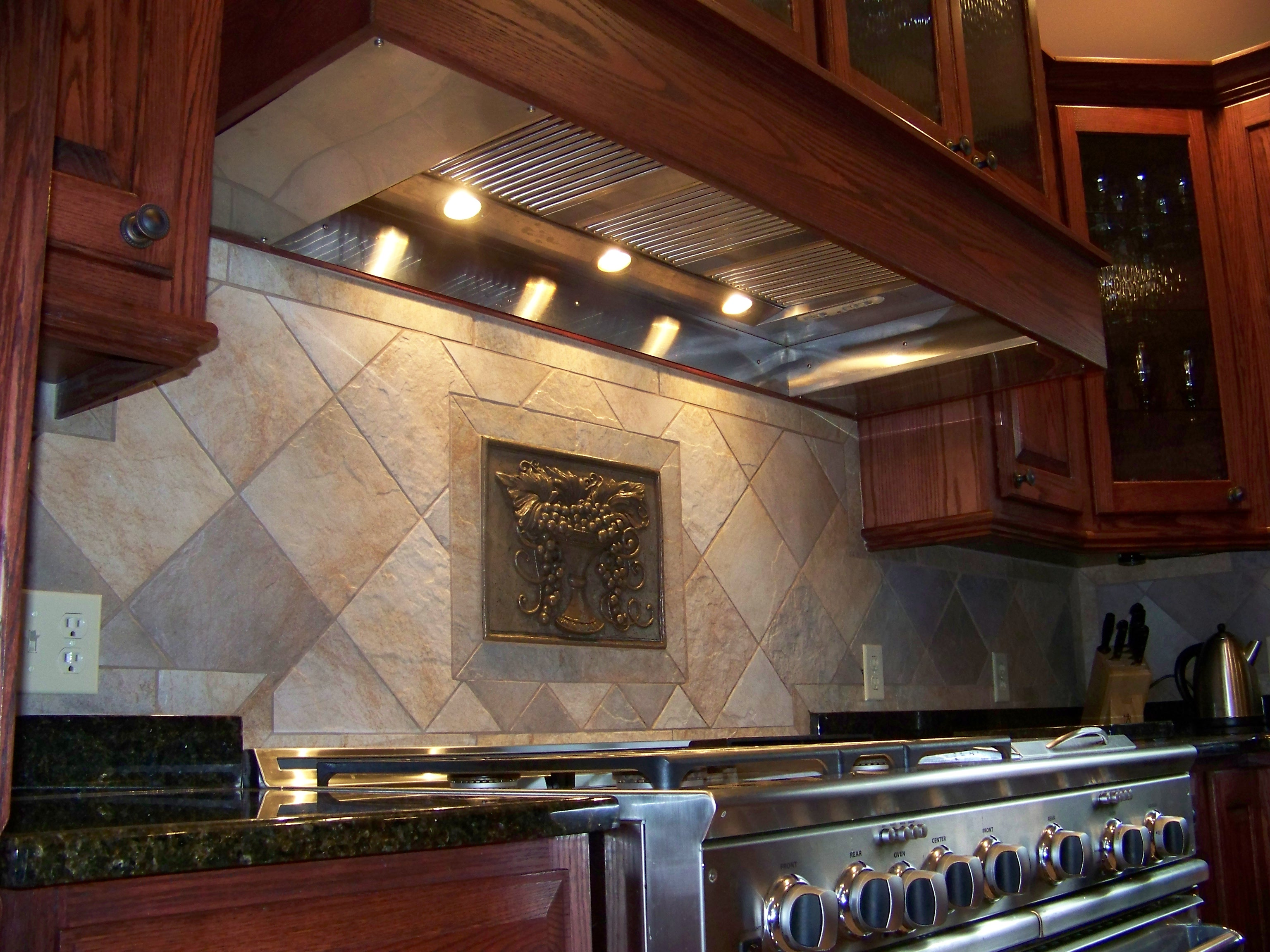 Bakaitus range hood close