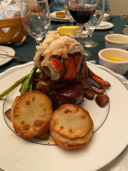 Filet with lobster
