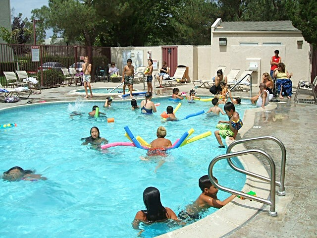 Community_pool