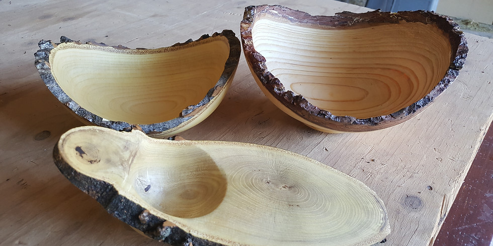 Woodturning Live edge bowl (1)