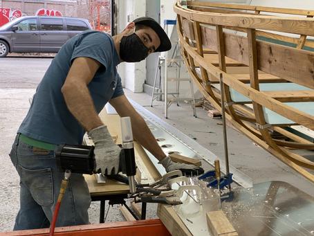 Les quilles en aluminium sont maintenant assemblées à notre atelier.