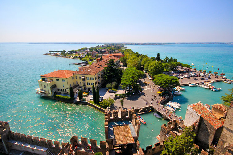 Sirmione-(Italy,-Lake-Garda).jpg