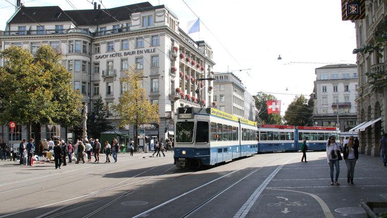 pic09_bahnhofstrasse_zuerich_by_futurest