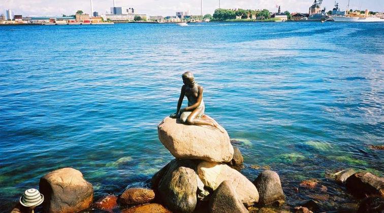 The-Little-Mermaid-Denmark-900x500.jpg