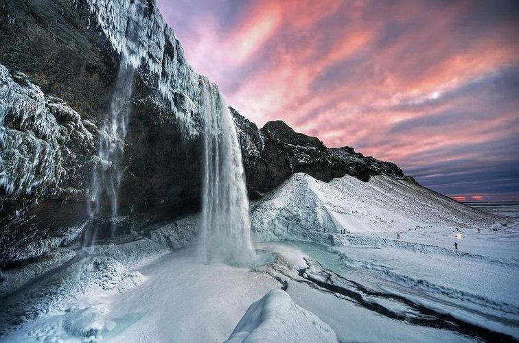 South-Coast-Iceland-Seljalandsfoss-Water