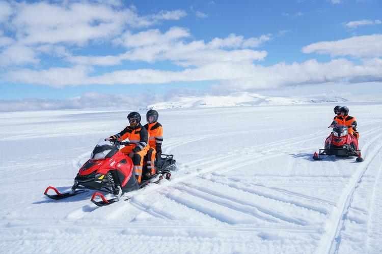 Snowmobile-tour.jpg