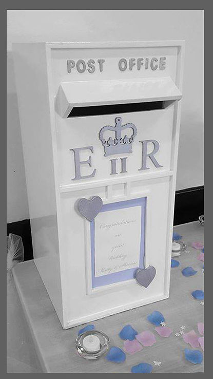 lowestoft wedding hire, wedding post, traditional postbox white post box, suffolk wedding, norfolk wedding, beccles, great yarmouth, norwich wedding hire, village hall wedding