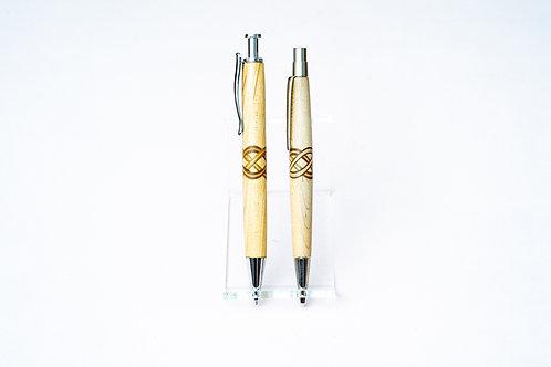 Stifte mit keltischem Knoten