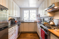 Shining Kitchen