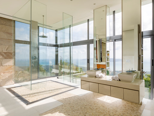 """Luxury Homes: """"Must-Have"""" Features of the World's Elite"""