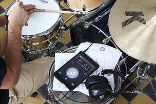 Обучение игре на барабанах | Барабанная школа DrumRoom | Как играть с метрономом