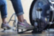 Обучение игре на барабанах | Барабанная школа DrumRoom | Техники игры ногами