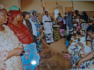 Mousso Dambe aan het werk in gezondheidscentrum