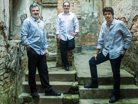 Trio Corrente – Brazil