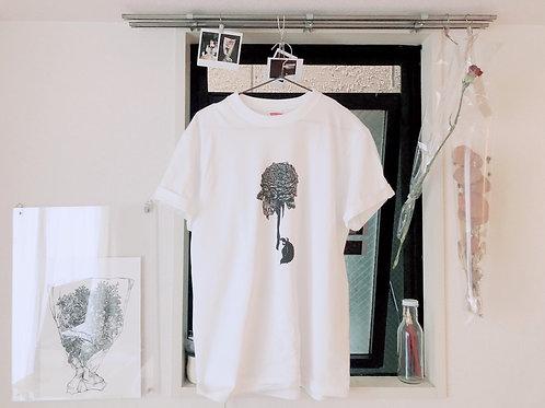 普通の日にもつ一輪Tシャツ