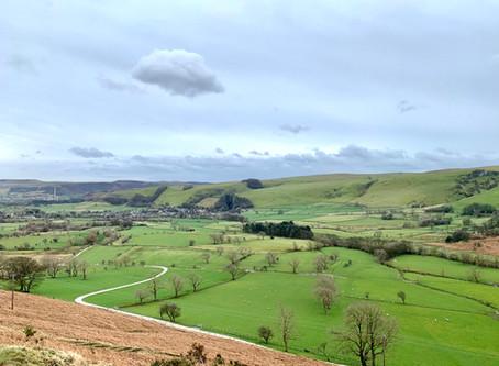Mam Tor - the Great Ridge - Castleton - A circular trail in Peak District