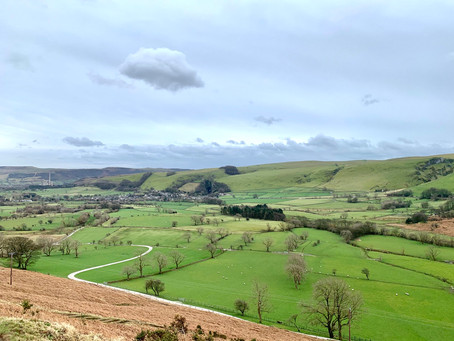 Mam Tor - the Great Ridge - Castleton - A circular trail in Peak District