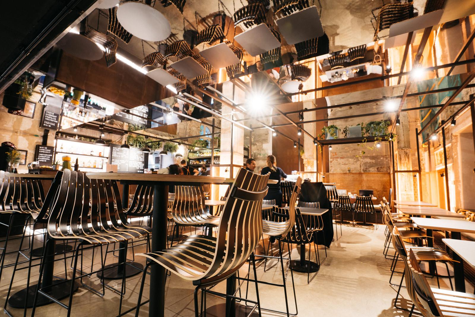 Café A | Restaurant Bar Terrasse Atypique   Paris 10 Canal St Martin