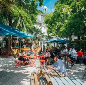 Le Café A / La Terrasse du Café A / Grande Terrasse Paris  / Jolies Terrasses / Ou Boire un Verre en terrasse à Paris Jardin Terrasse Cachées