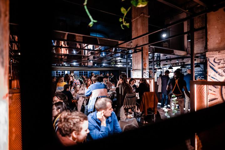 Le Café A reste ouvert après 22h