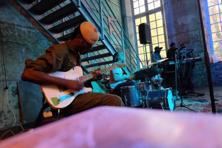 #keziahjones #headontv #sylvainrabbath #aurelienfradagrada #crysteldozias #lesrecollets #cafeA -Keziah-Jones-en-concert-paris Café A - 148 rue du faubourg st martin  #nigeria #rock #yassinemecknache #simonrouby #native #soiree #livelmusic #gilpetipas