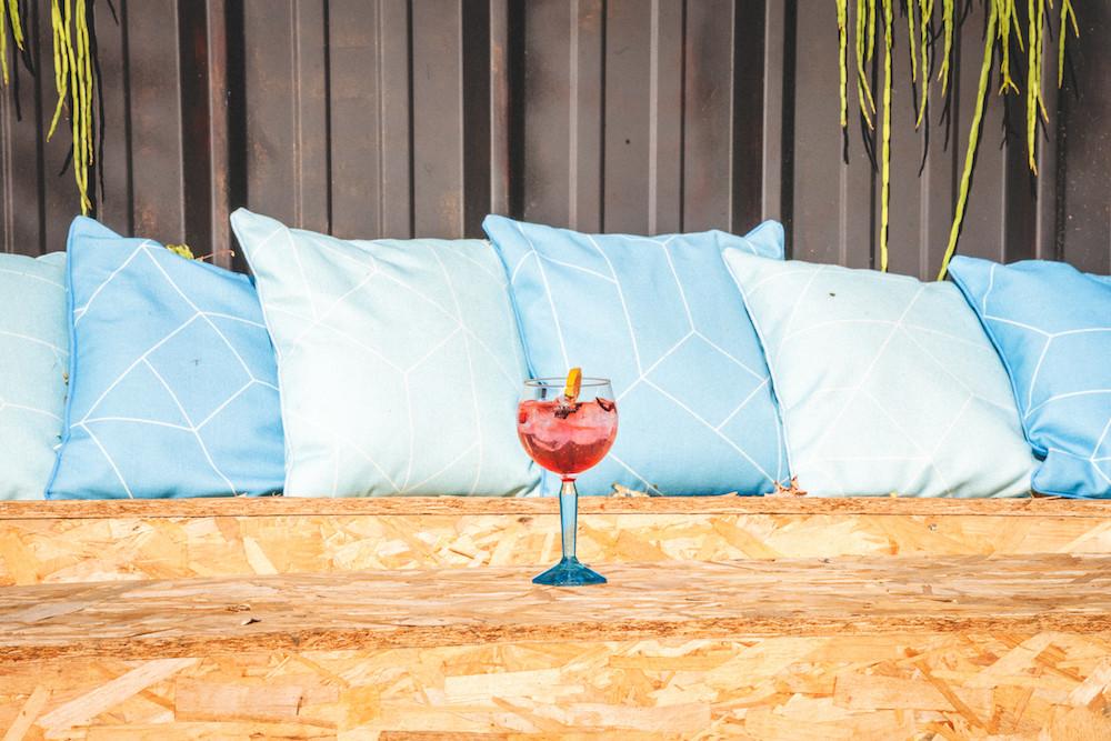 Cocktail Bombay Sapphire I Café A I Paris I 75010 I Color I Leona Rose I Pop-Up Bar 2019 I Café A I Paris