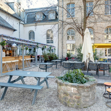 Terrasse du Café A I Le Café A / La Terrasse du Café A / Grande Terrasse Paris  / Jolies Terrasses / Ou Boire un Verre en terrasse à Paris Jardin Terrasse Cachées