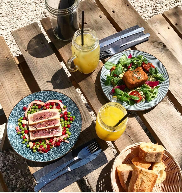 caf a restaurant bar terrasse atypique paris 10 canal st martin. Black Bedroom Furniture Sets. Home Design Ideas