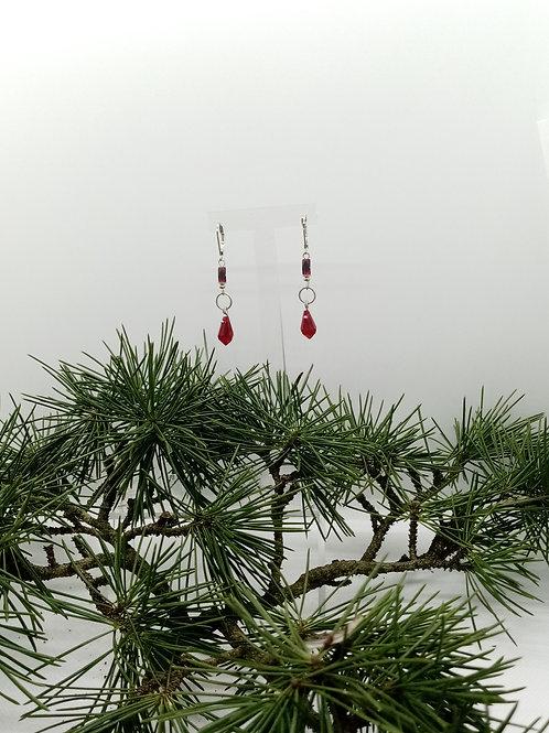 Boucles d'oreilles en verre rouge Réf : 38